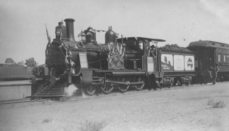 Recruitment and War Bond train, Emerald, c1916. The Workshops Rail Museum / Queensland Rail collection.