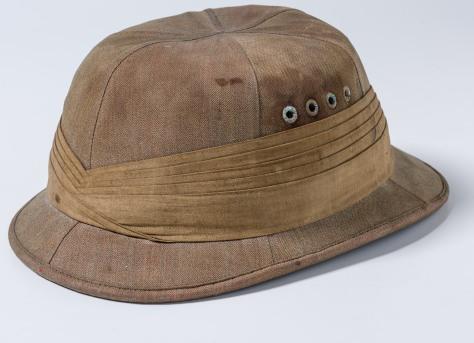 Lores Bonney pith helmet_df4928.jpg
