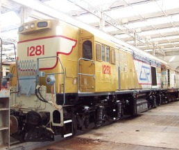 R5867_Diesel Electric Locomotive